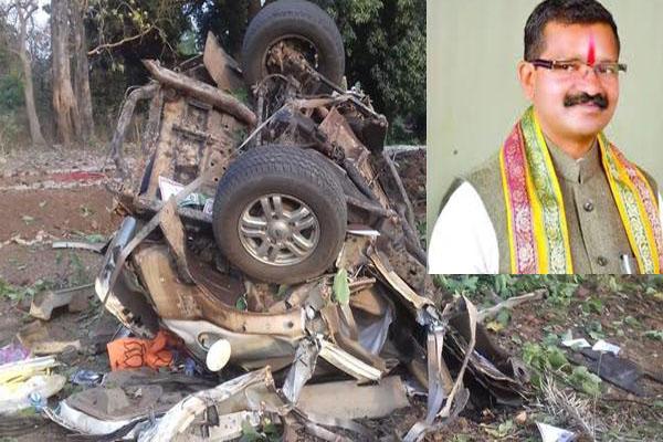 MLA Bhima Mandavi dies in Naxal attack